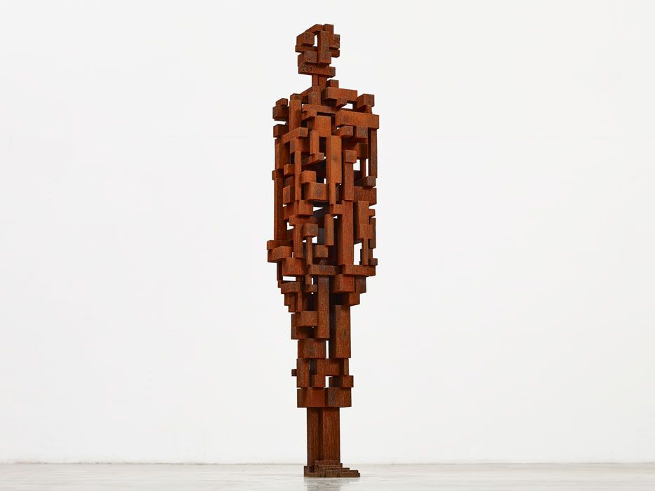 Antony-Gormley--Work--2010--Cast-iron--191-x-42-x-39-cm--copyright-the-artist--photograph-by-Stephen-White-and-Co