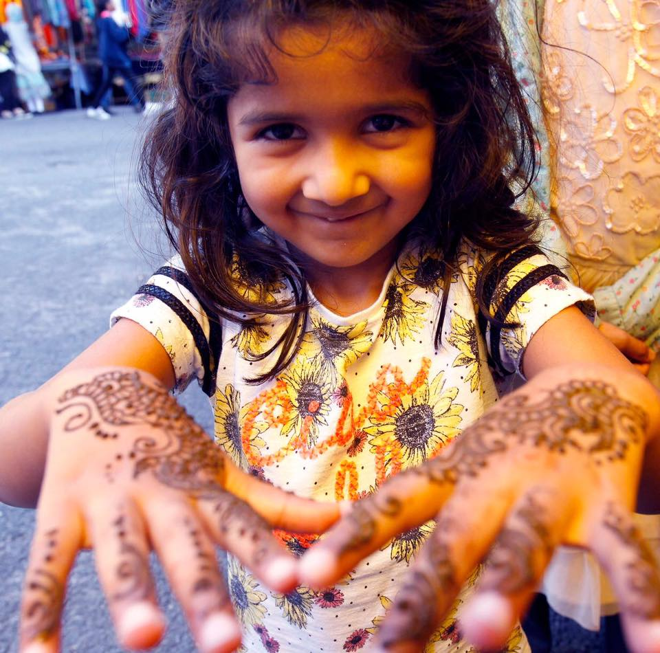 Young-girl-at-annual-Chaand-Raat-event-in-Huddersfield-organised-by-Communities-Together